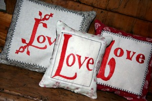 embroidery-cushions-32